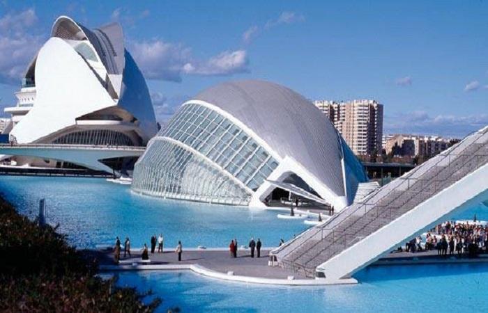 Ciutat de les arts i Valencia